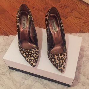 Beautiful Leopard Steve Madden pumps